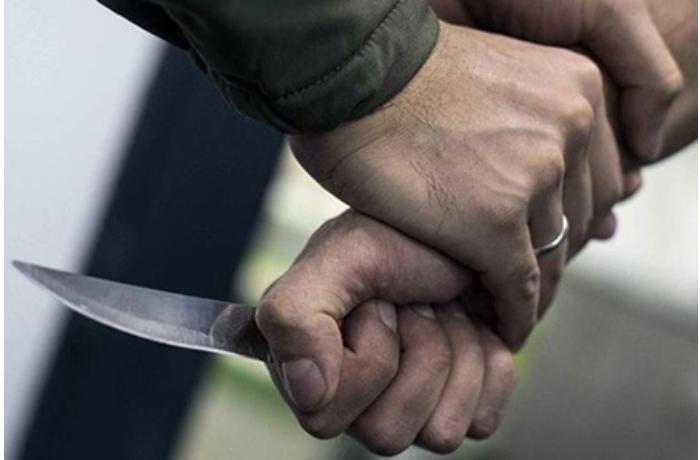 Yasamalda 16 yaşlı oğlan bıçaqlanıb