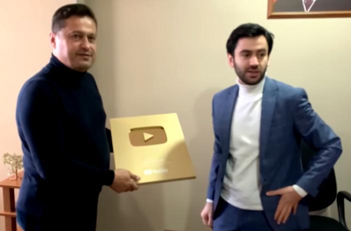 """""""YouTube"""" Üzeyir Mehdizadəni """"Qızıl düymə"""" ilə mükafatlandırdı - VİDEO"""