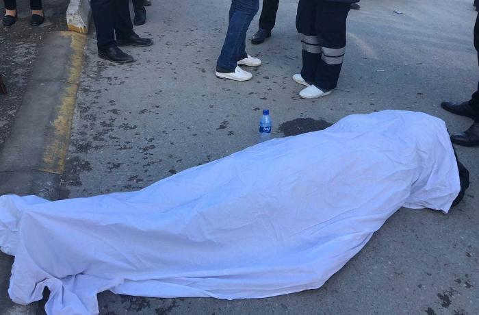 Sumqayıtda yolda kişi meyiti tapılıb - FOTO