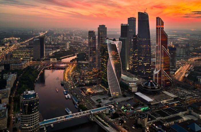 Bakılı milyarderlər Moskvanın mərkəzindəki Mərkəzi Bazarı aldılar - FOTOLAR