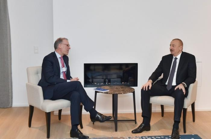 President Ilham Aliyev met with Carlsberg Group CEO in Davos