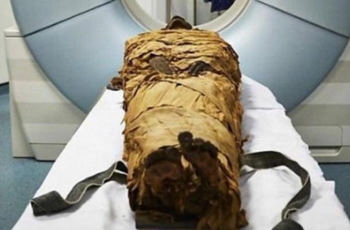 Alimlər 3 min illik mumyanı yenidən danışdırdılar - VİDEO