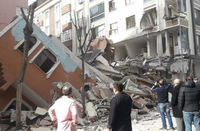 İstanbulda 7 mərtəbəli bina çökdü – VİDEO