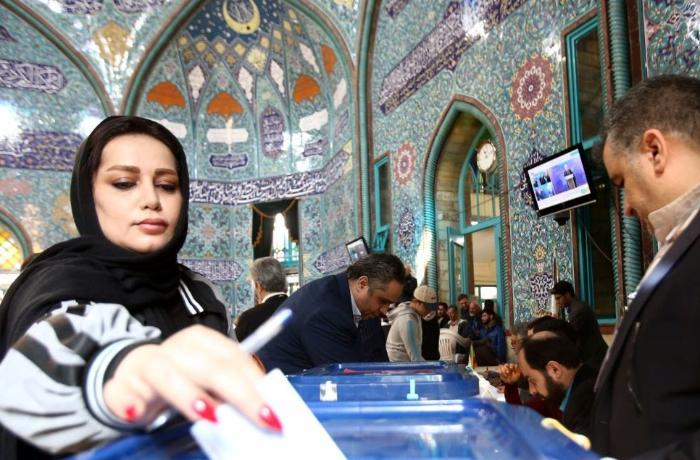 İranda parlament seçkiləri yubanma ilə başa çatdı