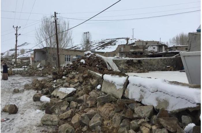İranla sərhəddə zəlzələ nəticəsində Türkiyədə 7 nəfər ölüb, 21 nəfər yaralanıb