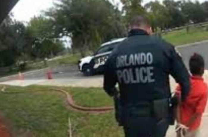 ABŞ polisinin 6 yaşlı uşağa etdiyi bu davranış dünya mətbuatında - Uşaq ağlaya-ağlaya... - VİDEO