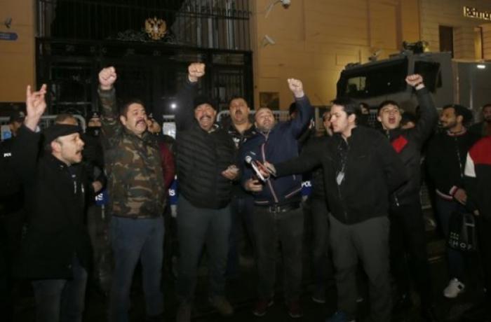 Türkiyədə Rusiyaya qaşı etiraz aksiyası başladı - VİDEO