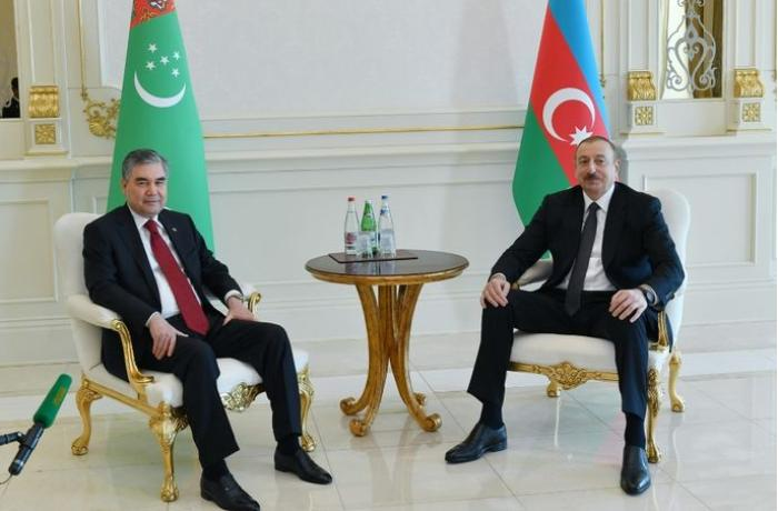 Azerbaijan and Turkmenistan Presidents hold one-on-one meeting