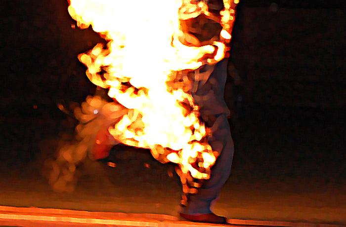 Gəncədə kişi həyat yoldaşını benzinlə yandırıb - FOTOLAR