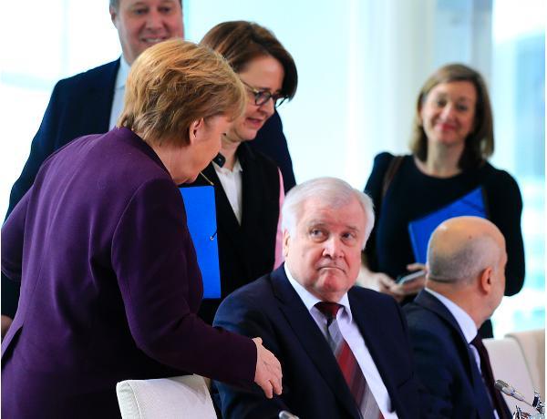 Zirvede corona virüsü önlemi: Bakan Merkel'i reddetti