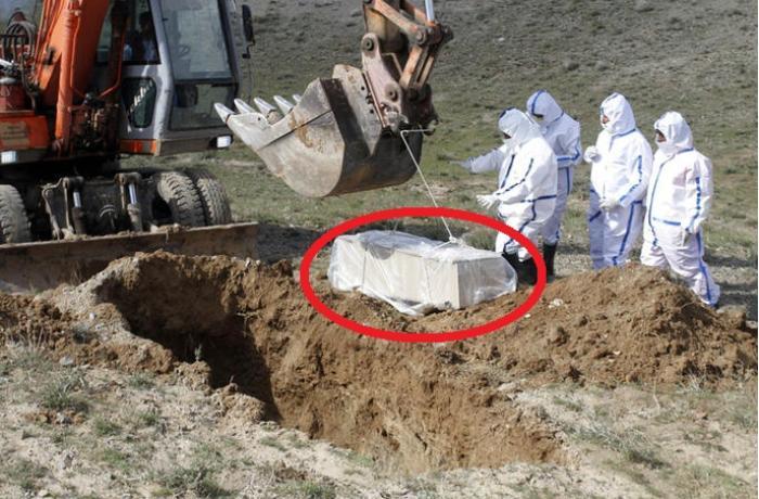 Koronavirusdan ölən bu şəxs dağın başında xüsusi şəkildə dəfn edildi - FOTOLAR