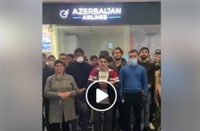 """İstanbul hava limanında qalan azərbaycanlı tələbələr prezidentə müraciət etdilər: """" Çətin vəziyyətdəyik"""" - VİDEO"""