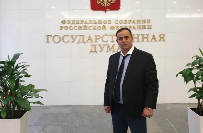 """Rusiyada 44 min maska paylayan azərbaycanlı: """"Yaxşı əməlin qiyməti olmur"""""""