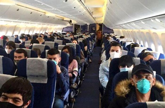 İstanbuldan uçan təyyarədə koronavirus aşkar edildi