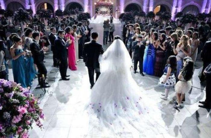 Правительство Азербайджана рекомендует отложить свадьбы
