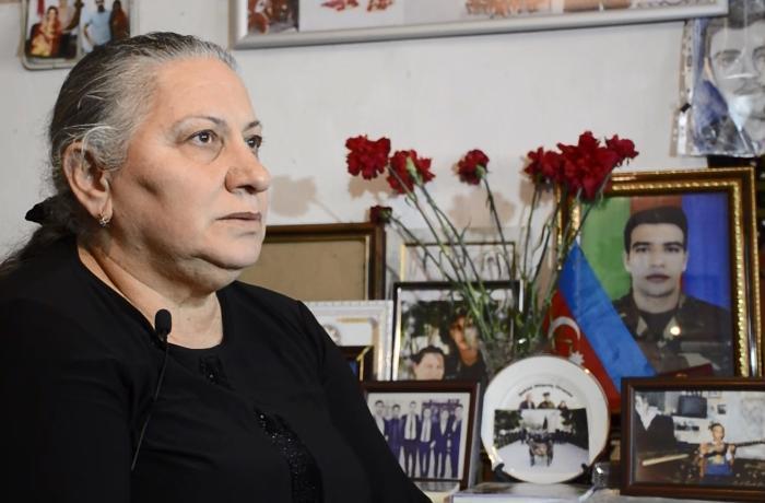 """""""Müşfiqin artıq qərənfildən başqa hədiyyəsi yoxdur"""" - FOTOLAR/VİDEO"""