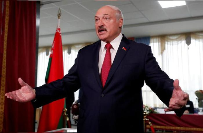 """Lukaşenko: """"Burda heç bir fəlakət yoxdur"""""""