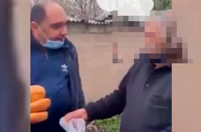Yaşlı adama 3 çörəyin verilməsi videosu ilə bağlı deputatdan AÇIQLAMA - VİDEO