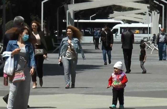 """""""Çoxdandı bu günü gözləyirdik"""" - Kafe, restoran və parklar açıldı - VİDEO"""