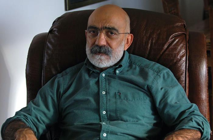 """""""Koronavirus yeni zehniyyət mutasiyasına səbəb oldu"""" - Əhməd Altan"""