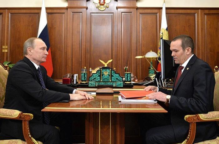Putini məhkəməyə verən keçmiş qubernator koronavirusa yoluxub, vəziyyəti ağırdır