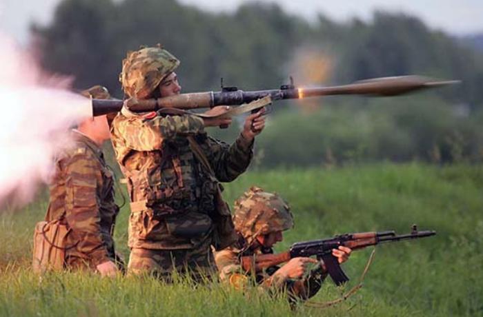 Naxçıvan istiqamətində erməni tabor komandirinin maşını vuruldu - FOTO