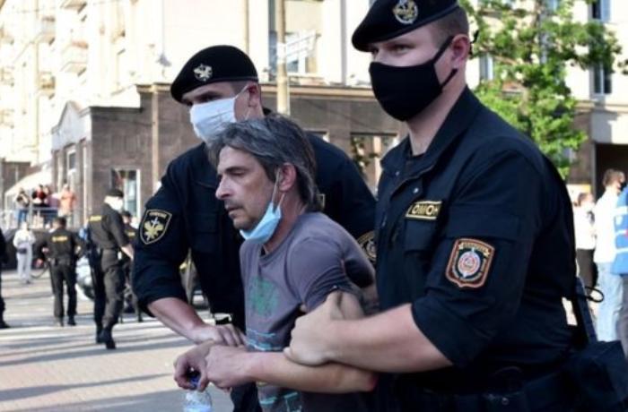 Belarusiyada prezidentliyə namizəd saxlanıldı