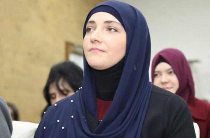 Serbiyada ilk dəfə hicablı qadın millət vəkili seçildi