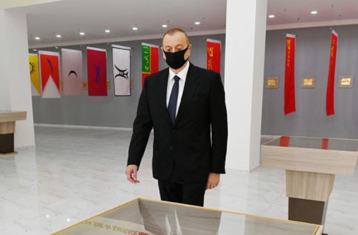 Prezident də maska taxdı - FOTO