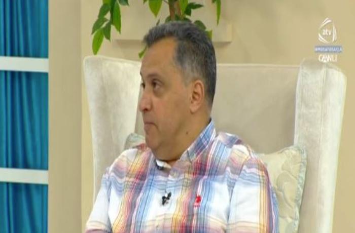 Çingiz Əhmədov ATV-də canlı efirdə haqsızlıqdan danışdı – Mikrofonu söndürüldü – VİDEO