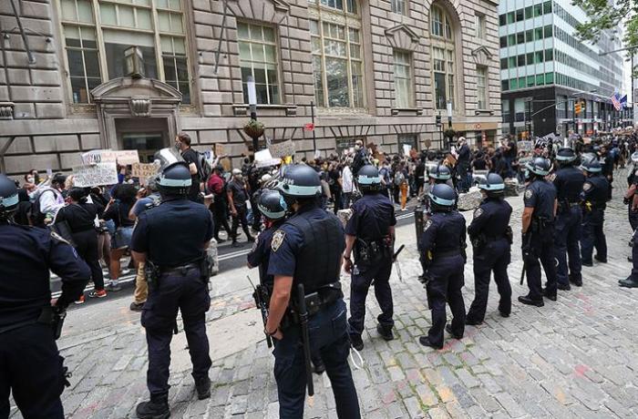 New York polise ayrılan bütçede kesintiye gidecek