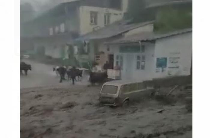 Hacıkənddə baş verdiyi iddia edilən sel görüntüləri ilə bağlı - AÇIQLAMA