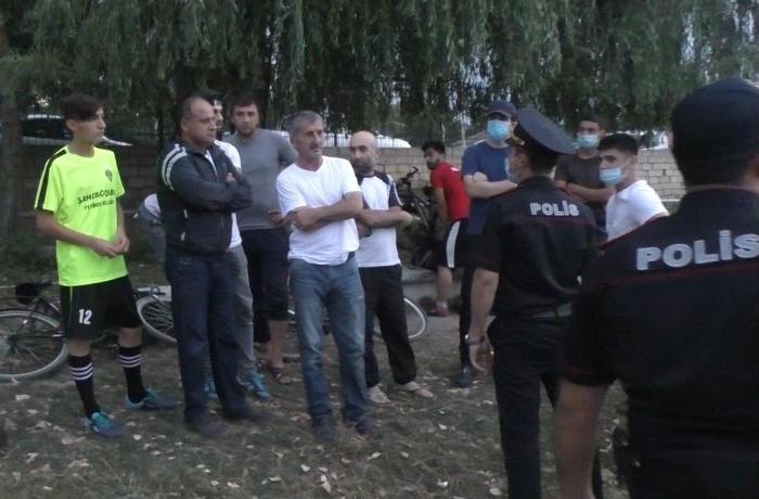Qubada karantini pozaraq futbol oynayan 25 nəfər saxlanıldı - FOTOLAR