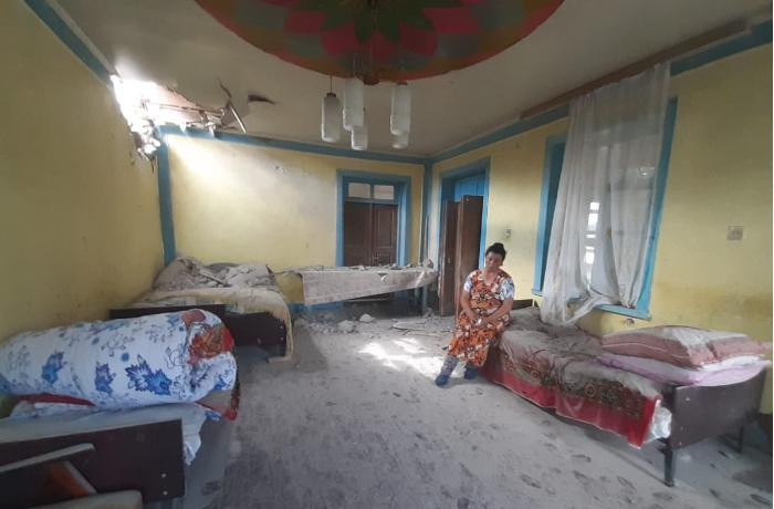 Dondar Quşçu kəndində mərmi düşən ev - VİDEO