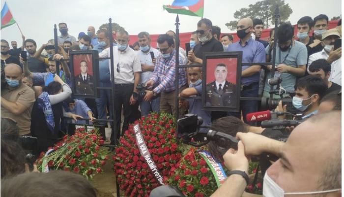 Şəhid general Polad Həşimov dəfn edilib - CANLI YAYIM + YENİLƏNİB