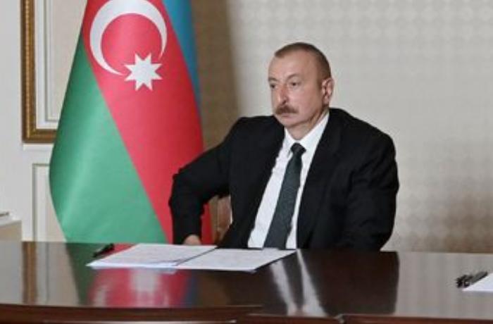 İlham Əliyev Nazirlər Kabinetinin iclasında çıxış edir - VİDEO