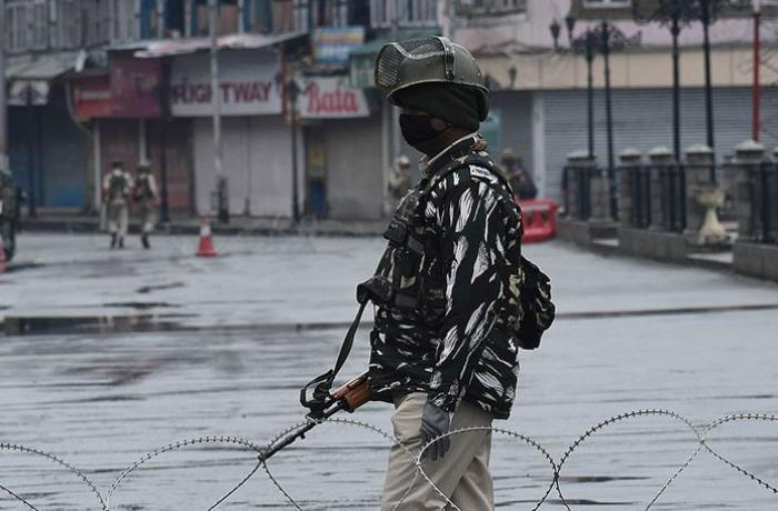 Kovid-19 vakalarının bir milyona yaklaştığı Hindistan'da sokağa çıkma yasakları geri geldi