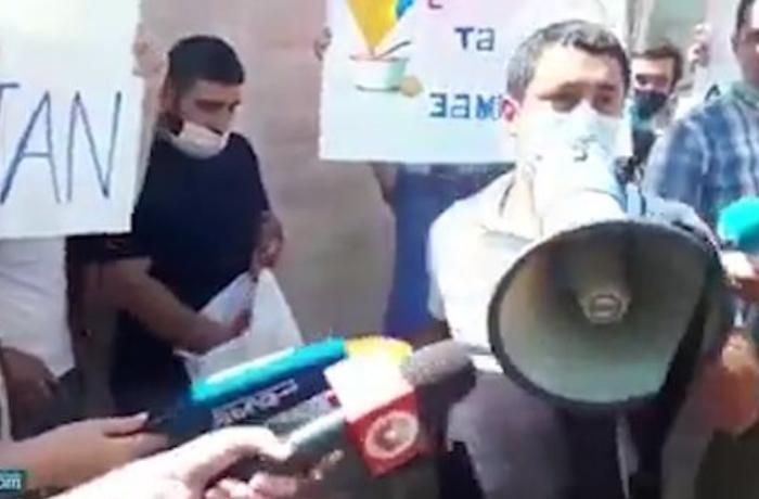 Ermənilər Ukrayna səfirliyinin binasına hücum etdilər - VİDEO