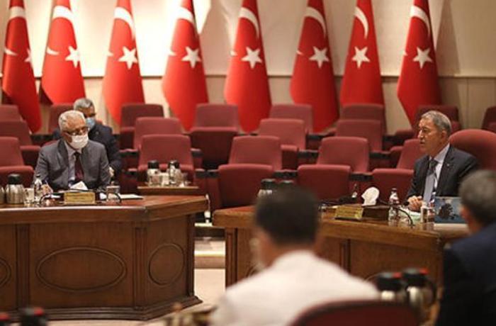 Azərbaycan Müdafiə nazirinin müavini Türkiyənin Müdafiə naziri ilə görüşdü - VİDEO