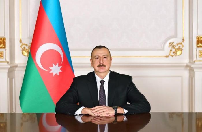 Prezident ad günündə Xalq artistinə ev bağışladı