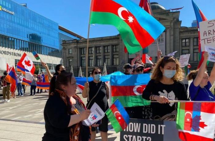 Kanadada yaşayan azərbaycanlılar aksiya keçirib - FOTOLAR