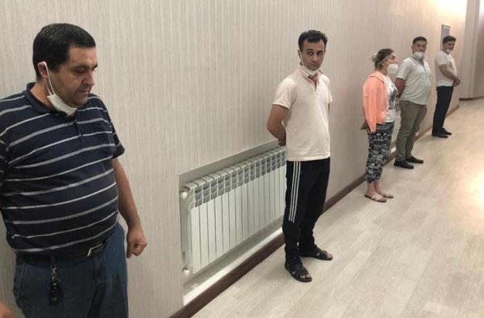 """Bağda """"ad günü"""" keçirən 5 nəfər cərimələndi - VİDEO"""