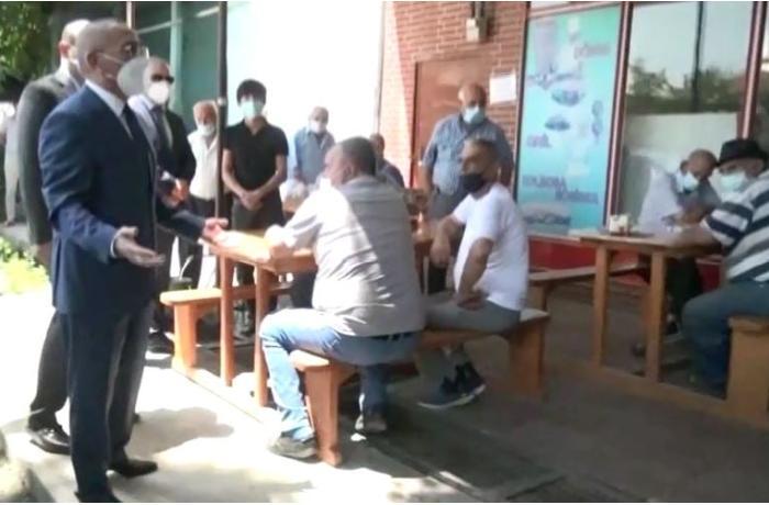 İcra başçısı karantini pozan çayxanaya getdi - Sahibləri həbs edildi - FOTO