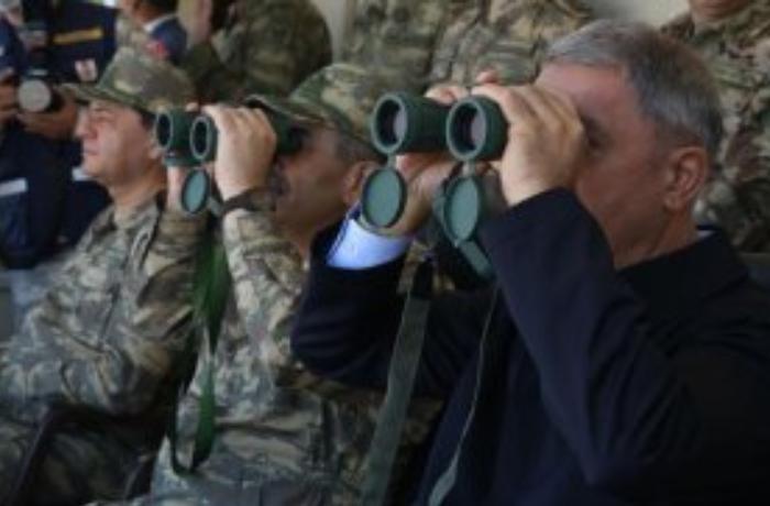 Azərbaycan və Türkiyə müdafiə nazirləri təlim poliqonunda - FOTOLAR