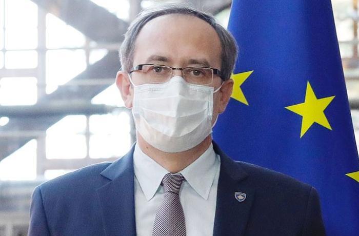 Kosovonun Baş naziri COVID-19-a yoluxub