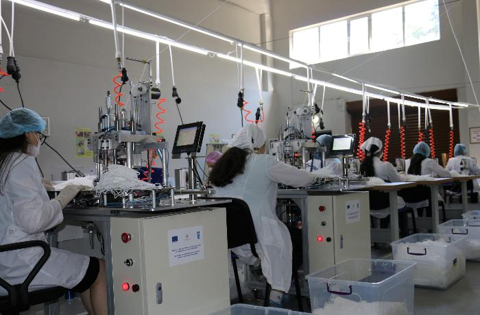 Azərbaycana tibbi maska istehsal edən yeni avadanlıq gətirilib