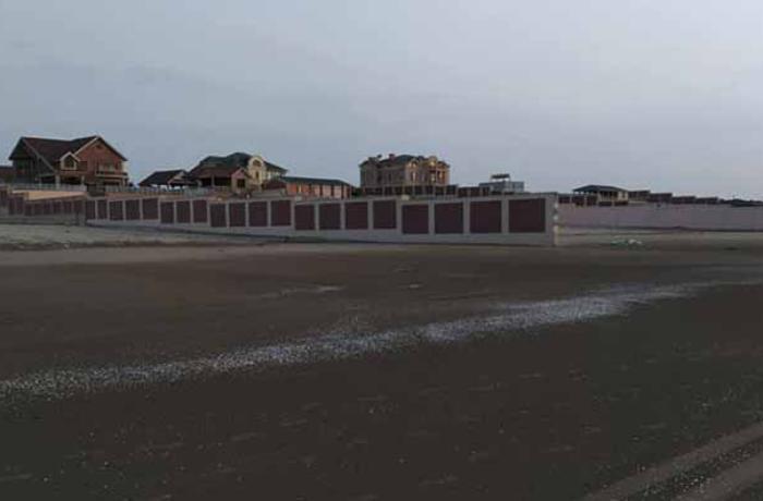 Tanınmış politoloq villa sahiblərinin dənizi hasara almasından yazdı - FOTOAR