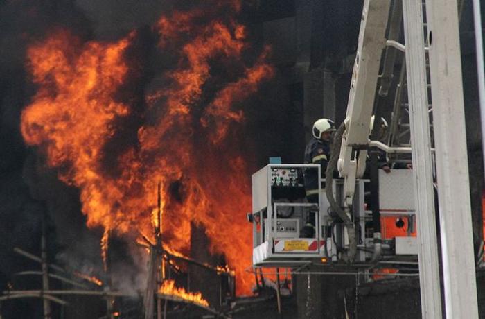 Hindistanda COVID-19 xəstəxanası yandı - Ölənlər var