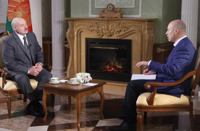 """Lukaşenko: """"Yeltsin Putini hakimiyyətə gətirdiyinə görə peşman olmuşdu"""" - VİDEO"""