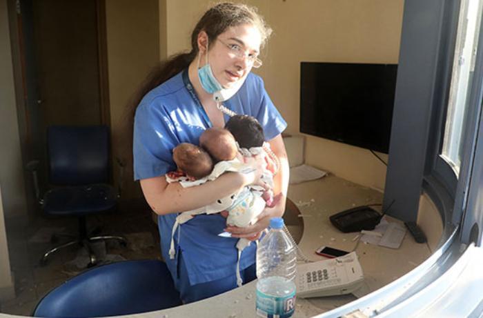 Lübnan, patlama sonrası 3 yeni doğan bebeği kurtaran hemşireyi konuşuyor